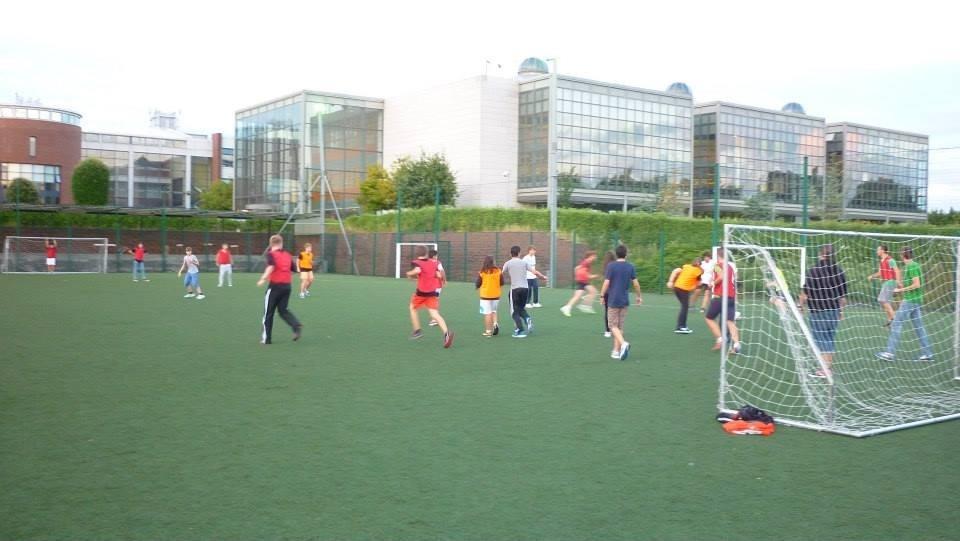 Actividades deportivas durante el campamento de inglés en verano